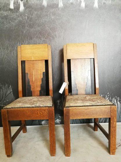 antieke retro schoolstoelen