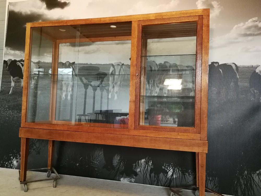 Betere Museumkast – vitrinekast – toonkast   Het Erfgoed SM-64